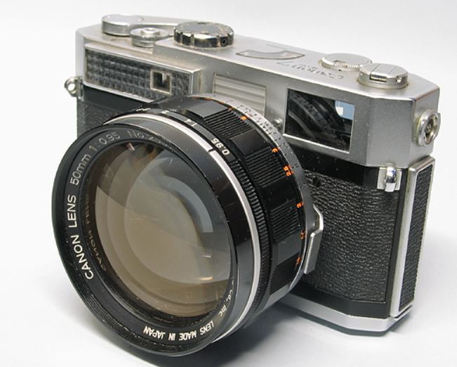 ozcamera collector of film cameras and associated equipment